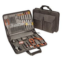 CHT188-TCS150ST - Cooper IndustriesModel TCS150ST Tool Kits