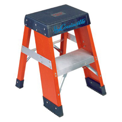 ORS443-FY8002 - Louisville LadderFY8000 Series Industrial Fiberglass Step Stands