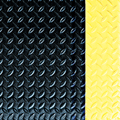 CRMWD1232YB - Crown MatsWorkers-Delight™ Supreme Deck Plate Anti-Fatigue Mat with Foam Backing