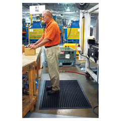 CROWSTF35BLA - Safewalk™ Heavy-Duty Anti-Fatigue Drainage Mat