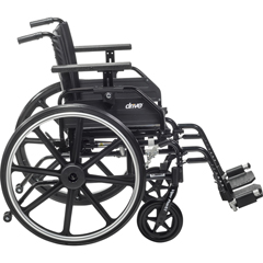 DRVPLA422FBUARAD-SF - Drive Medical - Viper Plus GT Wheelchair with Universal Armrests, Swing-Away Footrests, 22 Seat