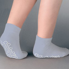 MON38201200 - PBESlipper Socks Tred Mates Adult Medium Gray Ankle High