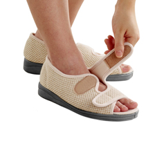 SIL103700209 - SilvertsWomens Indoor/Outdoor Sandal Shoes